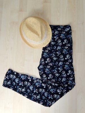 Lässige Hose mit Blumenmuster (Innenbeinlänge ca. 78cm, schmaler Beinverlauf, aus Viskose, elastisch) - NEU!!