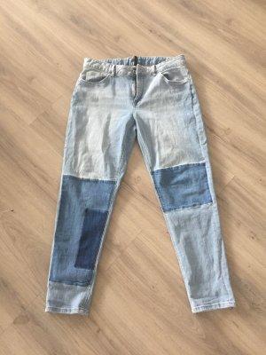 Lässige Jeans im Patchworklook