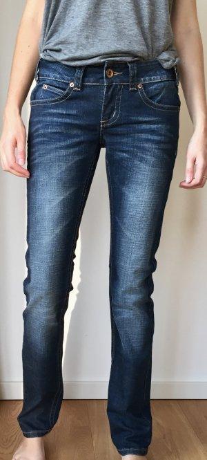 Lässige Jeans mit leichter Used Optik