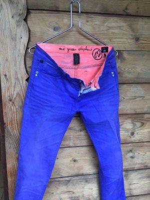 Lässige knallige Jeans