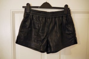 Shorts negro Imitación de cuero
