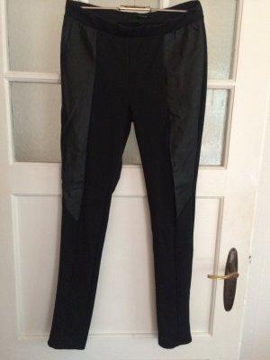 Lässige schwarze Leggings mit Leder Patches