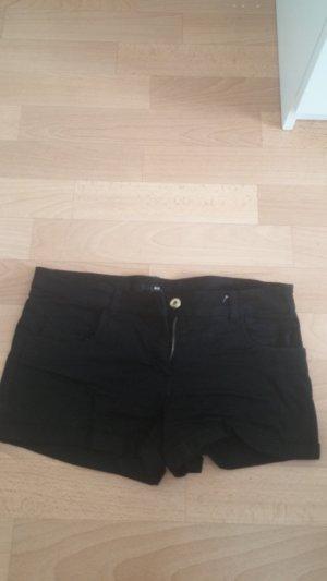 Lässige schwarze Shorts