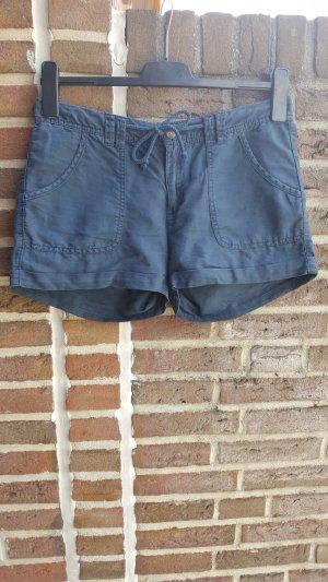 Lässige Shorts aus Leinen von H&M in Größe 38