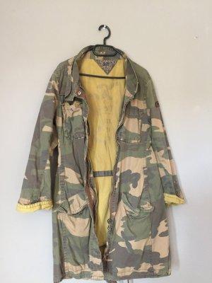 Lässiger camouflage Baumwollparker von Hilfiger Denim!
