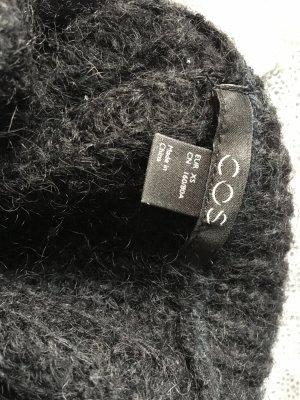 COS Grof gebreide trui zwart Wol
