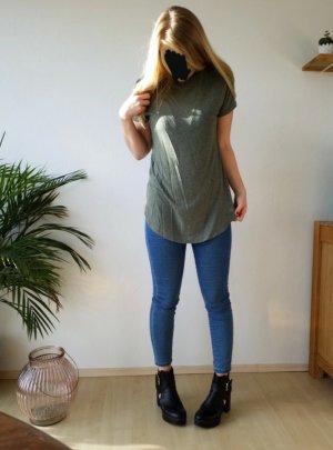 lässiges grau grünes T-Shirt
