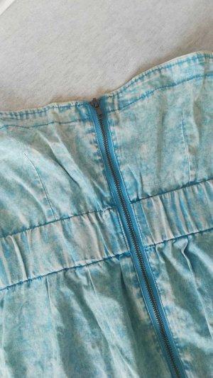 Lässiges Jeanskleid mit Reißverschluss
