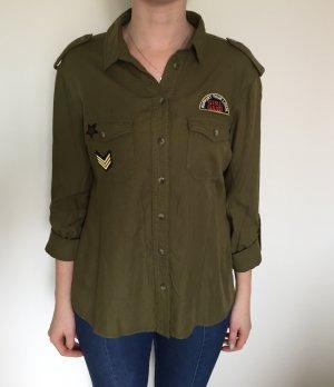 Lässiges khaki Hemd mit Patches