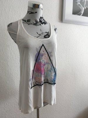 Lässiges 'Love is blind' Printshirt