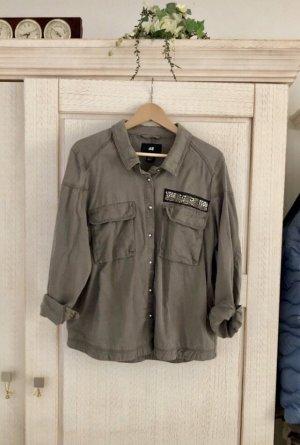 H&M Blusa taglie forti grigio-verde-cachi Lyocell
