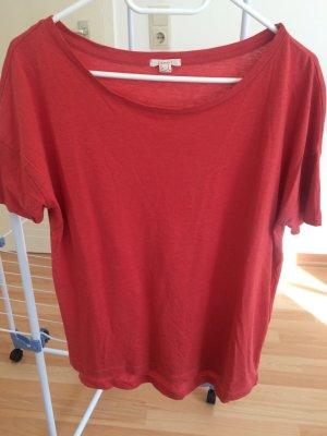Lässiges T-Shirt mit weitem Rundhals-Ausschnitt - fast neu!