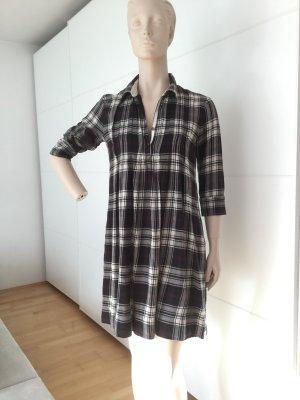 Lässiges, trendiges Karo-Kleid von Marc O'Polo
