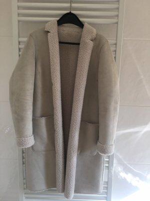 Abrigo de piel sintética beige claro-gris claro