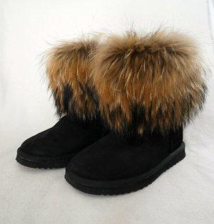 Lammfell-Stiefel in schwarz mit Fellbesatz , nur  1x getragen