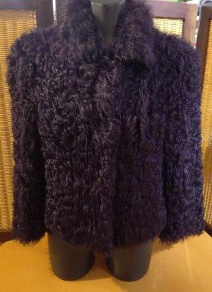 Escada Veste en fourrure violet foncé pelage
