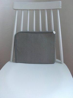 Lancôme Make-up Etui oder als Clutch in schimmerndem Silber