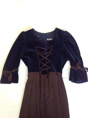 Landhaus-Kleid, lang. Mieder aus nachtblauem Samt, Rockteil aus leichtem fließendem Stoff