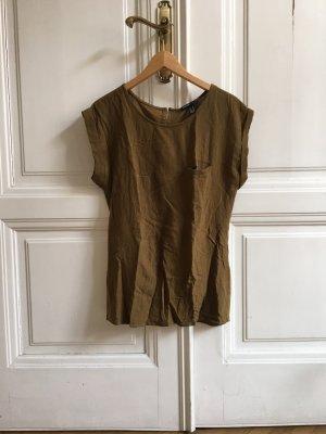 Lang geschnittenes Shirt Olivgrün Grün Grüngold von Mango