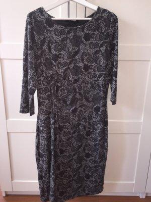 Langärmeliges Kleid grau