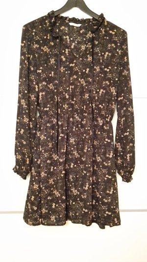 Langärmeliges Kleid mit Blümchenprint