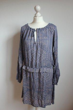 Langärmeliges Sommerkleid mit Schnürung und Bohomuster Aztek Vila neu blau
