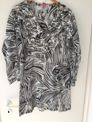 Langärmeliges Strandkleid aus 100%Baumwolle