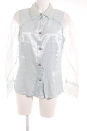 Langarm-Bluse hellblau Street-Fashion-Look