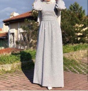 Langarmes Kleid