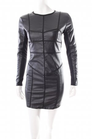 Langarmkleid schwarz extravaganter Stil