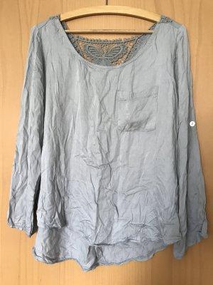 Langarmshirt mit Spitze hinten in Größe M