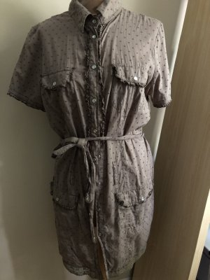 Lange Bluse mit Druckknöpfen