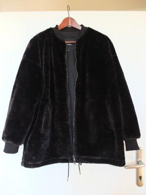 Lange Fake Fur Bomberjacke von Monki