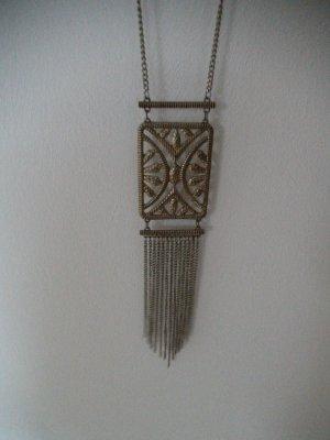 lange Goldkette mit Ornament