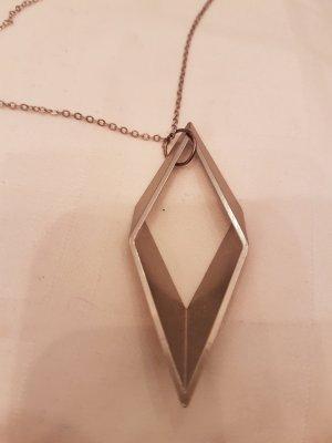 lange Halskette mit geometrischem Anhänger silberfarben