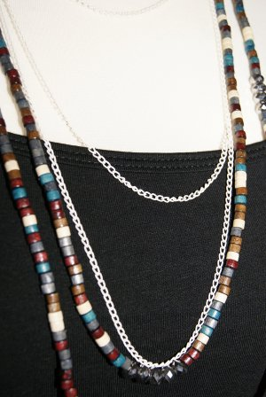 Necklace multicolored wood