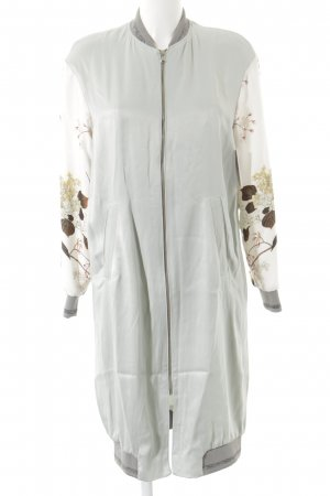 Lange Jacke florales Muster Street-Fashion-Look