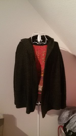 Lange Jacke mit Kapuze
