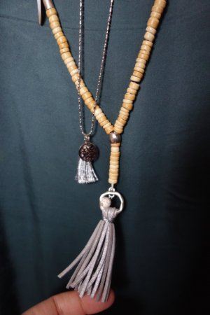 Necklace sand brown-silver-colored wood