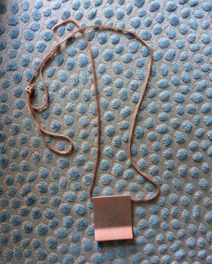 Lange Kette (minimalistisch)