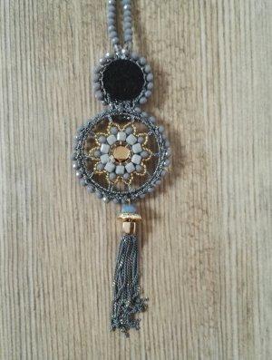 Lange Kette mit Anhänger / Halskette / Perlenkette / Hallhuber / 40 cm