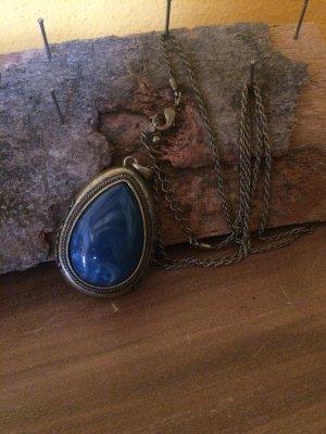 Lange Kette mit blauen Stein