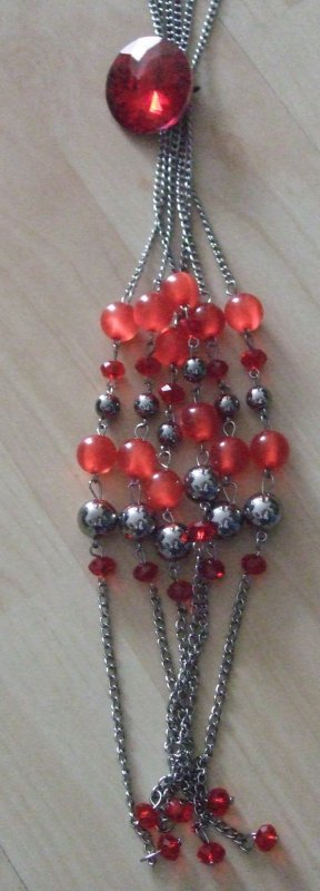 Necklace light grey-red