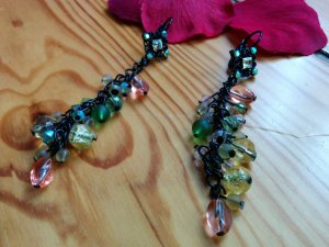 Lange Ohrhänger Glasperlen Glitzer schwarz grün gelb lachs apricot NEU