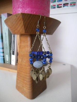 lange Ohrhänger mit Perlen