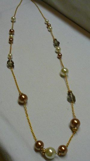 Lange Perlenkette vergoldet Perlen in weiss + bronze