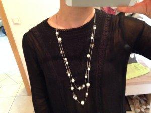 Lange Perlenkette weiß/silber Modeschmuck
