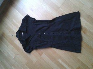 Lange schwarze Bluse