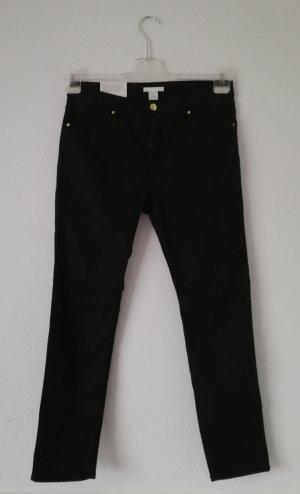 Lange schwarze Stoffhose