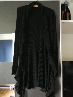 Lange schwarze Strickjacke
